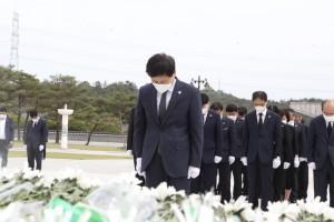 장석웅 전남교육감, 국립 5·18 민주묘지 합동 참배